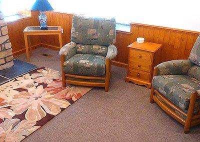 lounge-b1